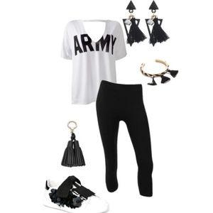 • {karizma} Black Leggings